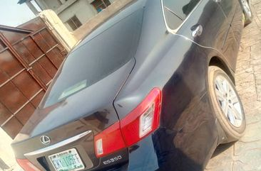 Very clean leuxs es350  register 6 months used  first body engine solid AC working fine buy and driv