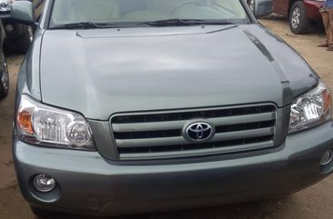 Toyota Highlander 2005 Grey for sale