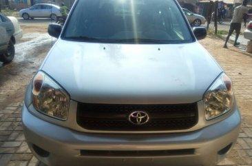 2004 Tokunbo Toyota rav4 for sale in Ibadan