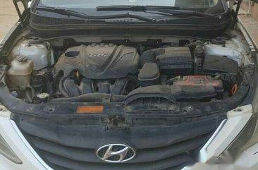 Neatly Used Hyundai Sonata 2013 White for sale
