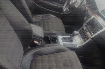 Volkswagen Passat 2010 Black for sale