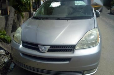Toyota Sienta 2005 Silver for sale