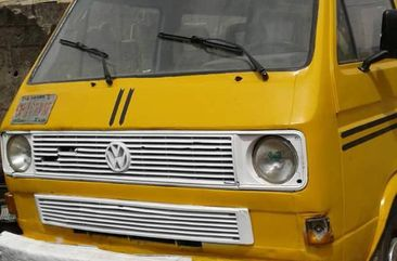 Volkswagen Commercial 1998 Yellow for sale