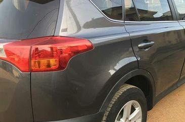 Toyota RAV4 XLE (2.5L 4cyl 6A) 2013 Gray for sale