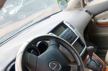 Neatly used Lexus Rx 330 2005 model