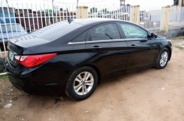 One Month Used Clean Hyundai Sonata 2011 Model