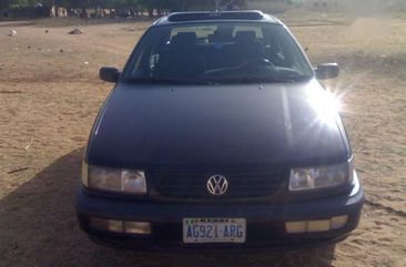 Volkswagen Passat 1996 1.6 Black for sale