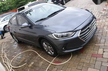 Selling 2017 Hyundai Elantra in good condition at mileage 1
