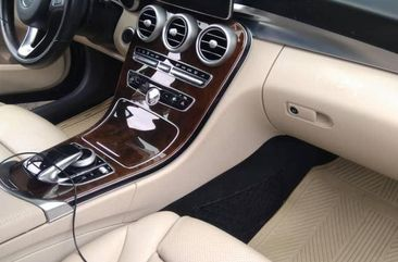 Need to sell high quality black 2016 Mercedes-Benz C400 automatic in Abuja
