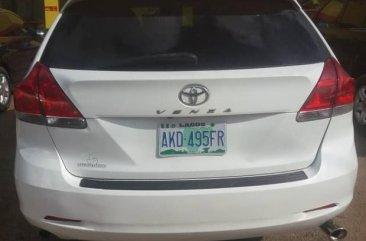 Toyota Venza 2010 V6 White color for sale