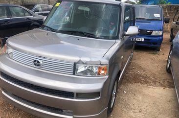 Sell well kept grey 2005 Toyota Scion automatic in Ibadan