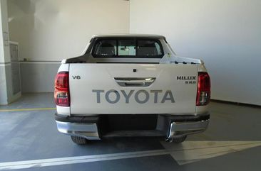 Well maintained 2018 Toyota Hilux pickup automatic for sale in Lagos
