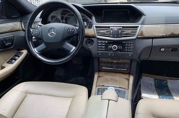 Neat Tokunbo Used  Mercedes Benz E350 2010