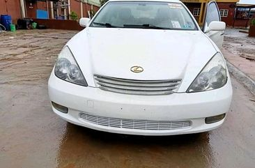 Neat Foreign used 2005 Lexus ES330