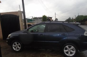 Clean Foreign Used 2005 Lexus RX 330 for sale in Ikeja