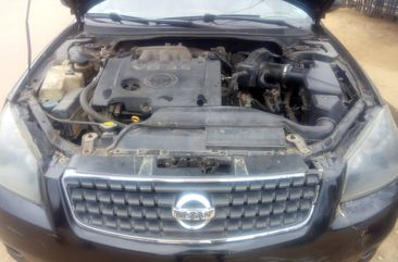 Properly maintained Nigerian used Nissan Altima 2005