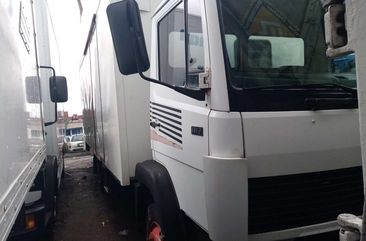 White Foreign Used 2002 Model Mercedes Benz 814 Truck for Sale