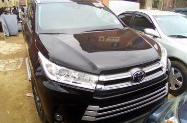 Foreign Used Black Toyota Highlander SUV for Sale in Lagos