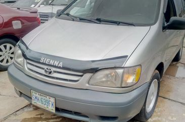 Nigeria Used Toyota Sienna 2001 for Sale in Lagos