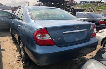 Blue Foreign Used Toyota Camry 2000 Model for Sale