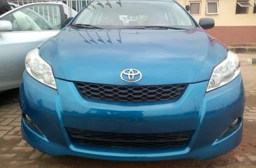 Neat Foreign used Toyota Matrix 2010
