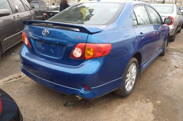 Foreign used Toyota corolla sports 2010 model