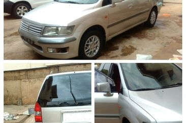 Neat Foreign used Mitsubishi Spacewagon 2002 Model