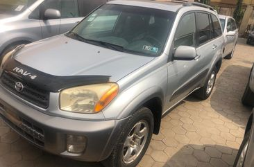 Well Maintained Naija Used Toyota RAV4 2004 Model
