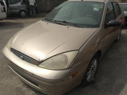 Tokunbo Ford Focus 2003 Gold for sale