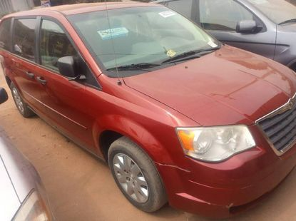 Almost brand new Chrysler Voyager 2005 for sale