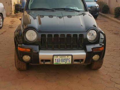 Extremely Clean Jeep Liberty 2004 Black for sale