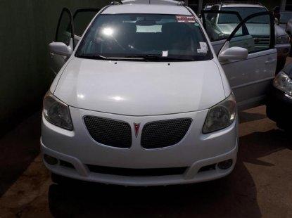 Pontiac Vibe AWD 2005 White for sale