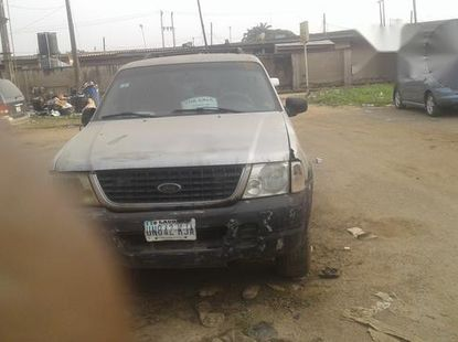 Ford Explore 2004 Silver for sale