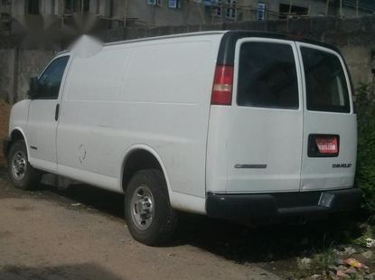 Chevrolet Astro 2005 White for sale