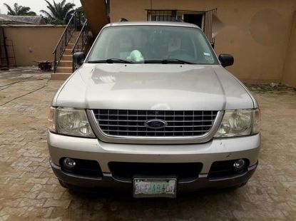 Ford Explorer 2004 Silver for sale