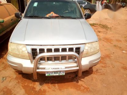 Clean Jeep Grand Cherokee 2004 Silver for sale