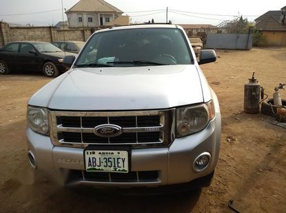 Ford Escape 2010 Limited Silver for sale