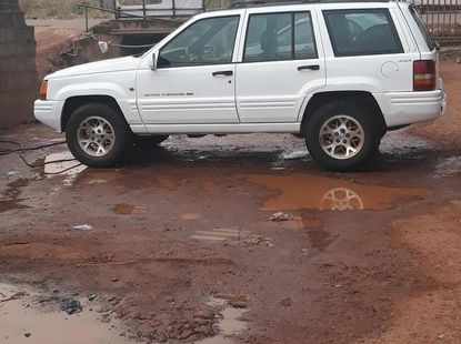 Jeep Grand Cherokee 1996 4.0 Limited White for sale
