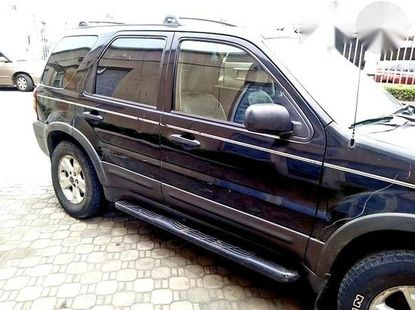 Ford Escape 2005 Limited 4x4 Black for sale