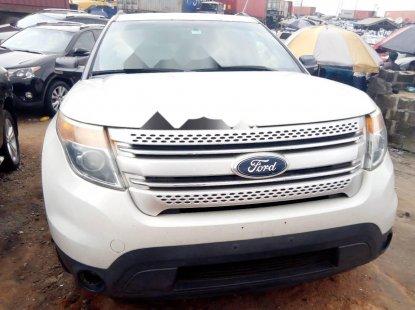 Well-kept 2010 White Ford Explorer for sale