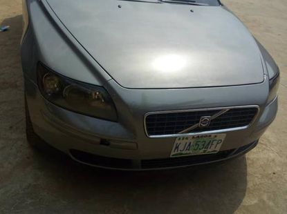 Volvo S40 2006 2.4 Gray for sale