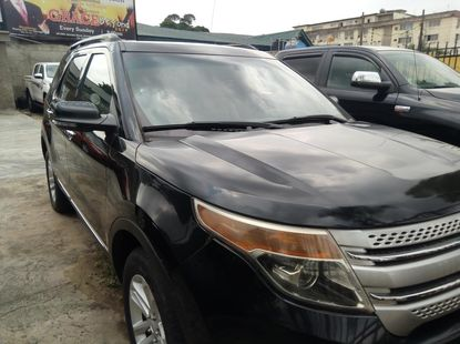 2013 Ford Explorer Automatic Petrol well maintained