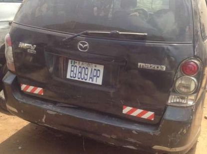 Crashed price 2005 mazda mpv going for sale