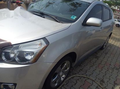 Pontiac Vibe 2.4 4WD 2009 Silver for sale