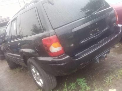 Jeep Cherokee 2002 Automatic Petrol ₦2,200,000 for sale