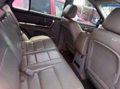 A clean Kia Sorento 2004 model Nigerian used for sale.
