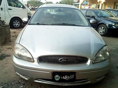 Almost brand new Ford Taurus 2005 for sale