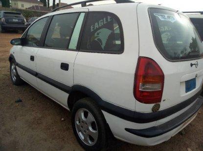 Opel Zafira 2005 Petrol Manual White for sale