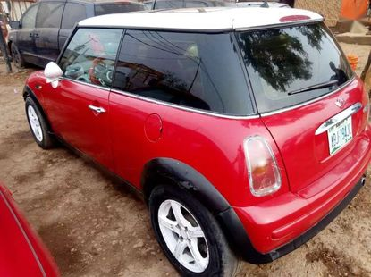 Clean and Shiny Mini cooper 2003 Red for sale