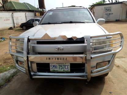 Almost brand new Infiniti QX 2002 for sale